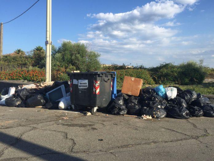 "Agriturist: Raccolta rifiuti in tilt nella zona jonica. Danni gravissimi agli agriturismo""."